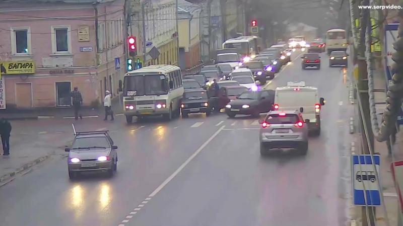 ДТП в Серпухове. Столкновение на троих. 13 декабря 2017г