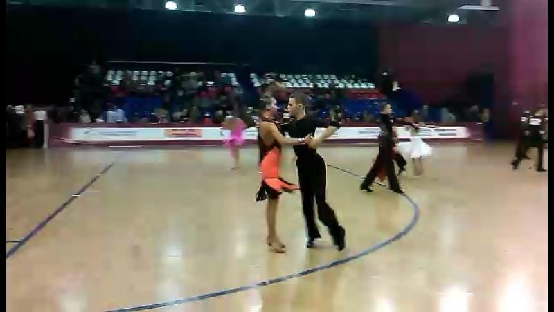 Танцует мой внук никита