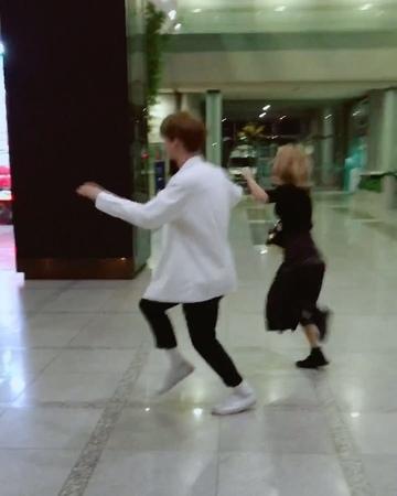 "NCT의 나잇 나잇! on Instagram ""- 스브스 1층 로비에서 펼쳐진 라라랜드 한 장면...💓 같지47564"