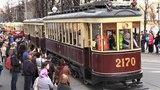 Ретро-трамваи уходят в депо после парада