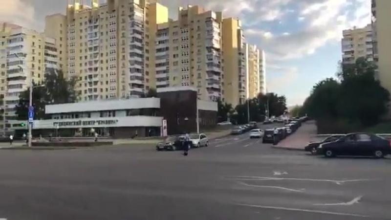Инспектор остановил движения на проспекте Минск