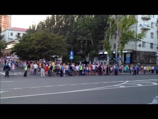Кортеж Януковича и английские фаны в Донецке