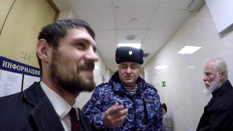 Депутат ЛДПР на интервью с колхозником