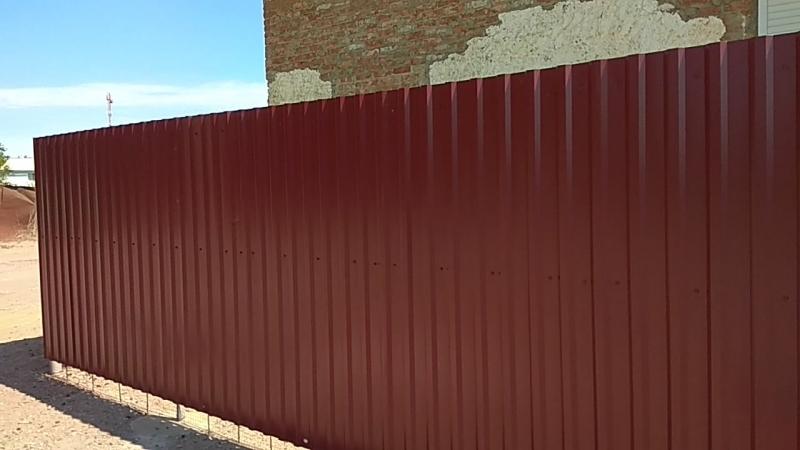 забор из металлопрофиля, объект сдан.