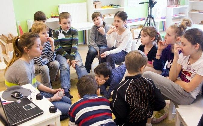 Подросткам из Савеловского рассказали о зависимостях