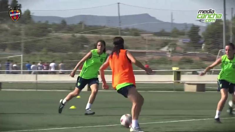 Corral quiere más goles en España