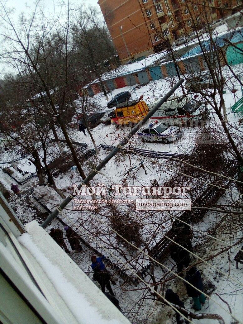 В Таганроге в многоэтажке на Котлостроительной прогремел взрыв, есть погибший