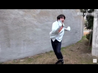 seokjin dancing and making the boys laugh then there's taehyung laughing and filming him '