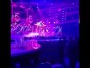 Рэми Ма во время выступления Ники Минаж.