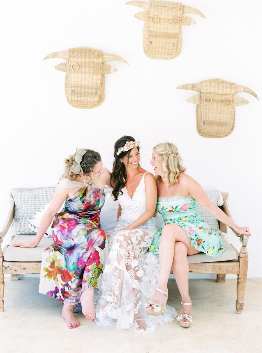 rxuSWwiw0M4 - Подружки невесты