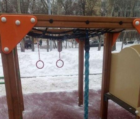 В одном из дворов Рязанского восстановили игровой элемент