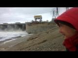 Жигулёвская ГЭС работает, все шандоры открыты.