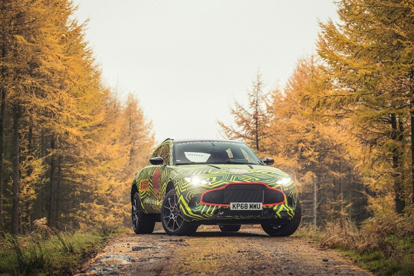 Aston Martin опубликовал фотографии своего первого кроссовера. Британская марка также официально подтвердила название новой модели: серийная версия будет называться DBX.Компания Aston Martin
