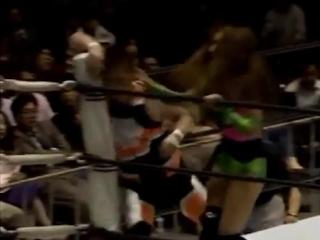 Mayumi Ozaki vs. Dynamite Kansai (1992.5.13)