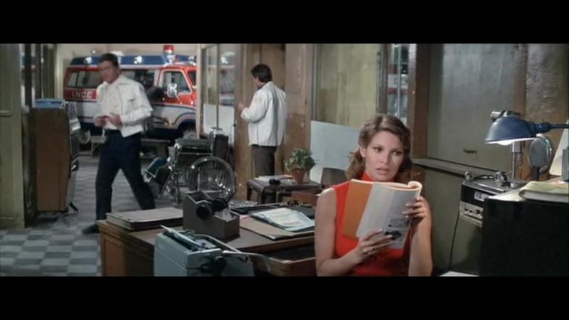 МАМАНЯ, БЮСТ И ЖИВЧИК (1976) - траги комедия. Питер Йетс 720p