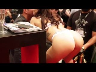 Видео с порновыставки