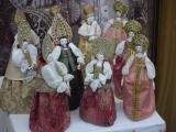 Куклы-царицы на выставке