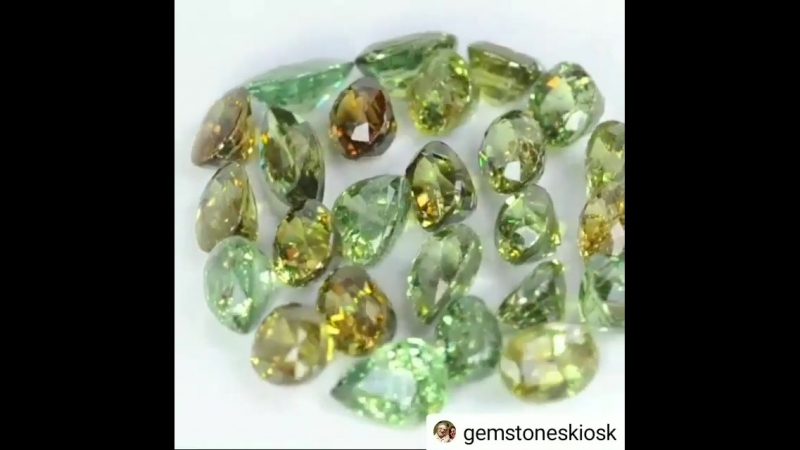 Gemstones_jeweleryBkwP73mhuMq.mp4