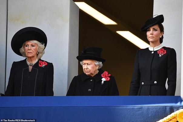 Члены королевской семьи приняли участие в службе по случаю Дня памяти Сегодня, 11 ноября, в странах Британского содружества наций отмечается День памяти павших, призванный увековечить память