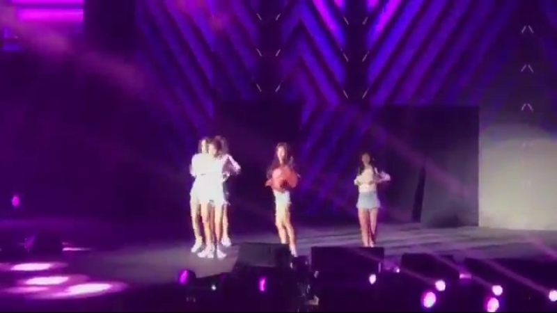 [Kwave3MusicFestival] 180818 Miniskirt perform