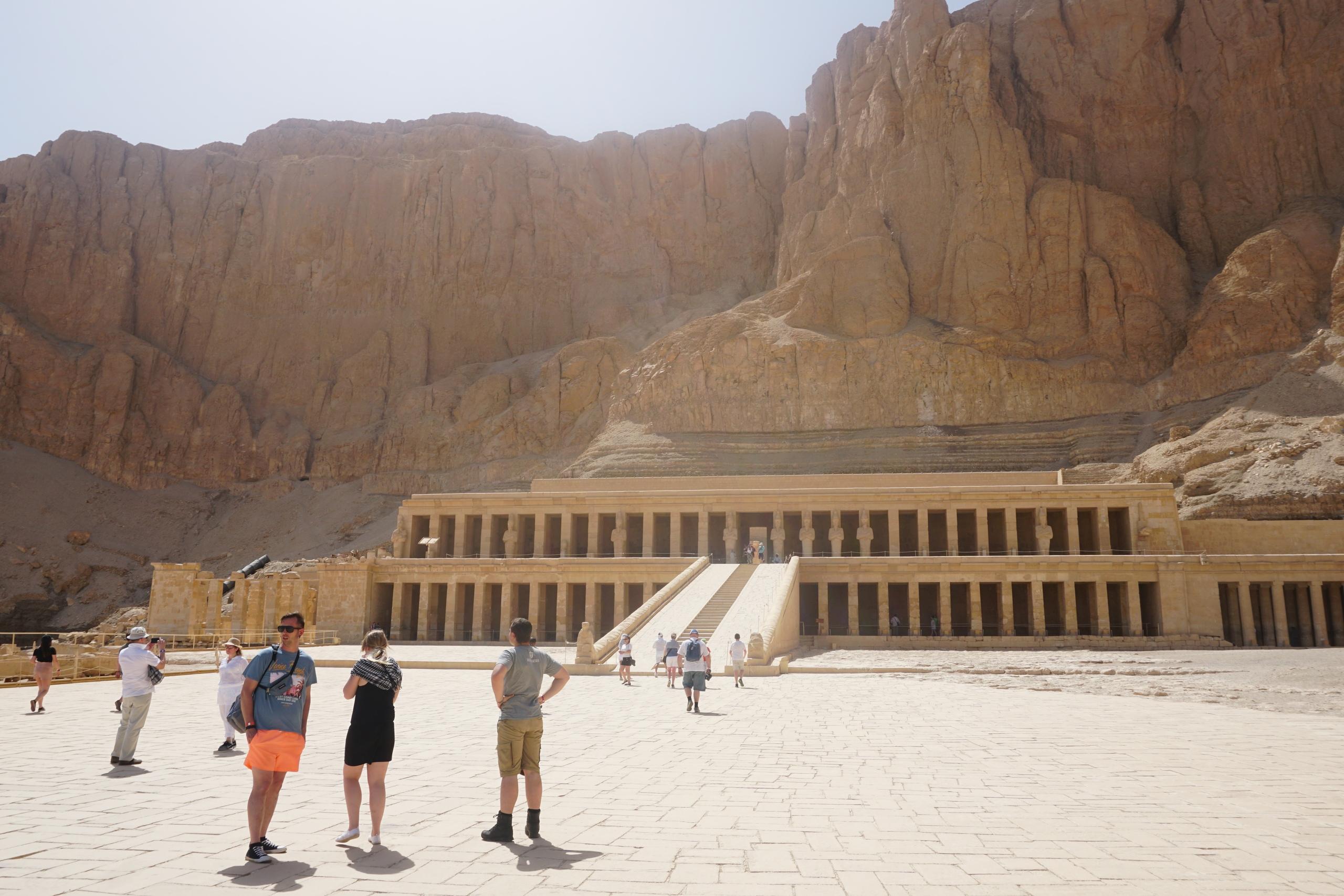 Визитная карточка Египта - Храм Хатшепсут в Луксоре