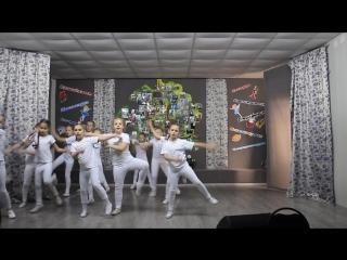 Средняя танцевальная группа - Васильковая страна