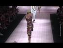 Полвека - не возраст: Карла Бруни и мать Илона Маска вышли на подиум Недели моды в Милане