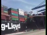 судно Tolten зашло в акваторию порта Карачи и направилось к причалу для швартовк