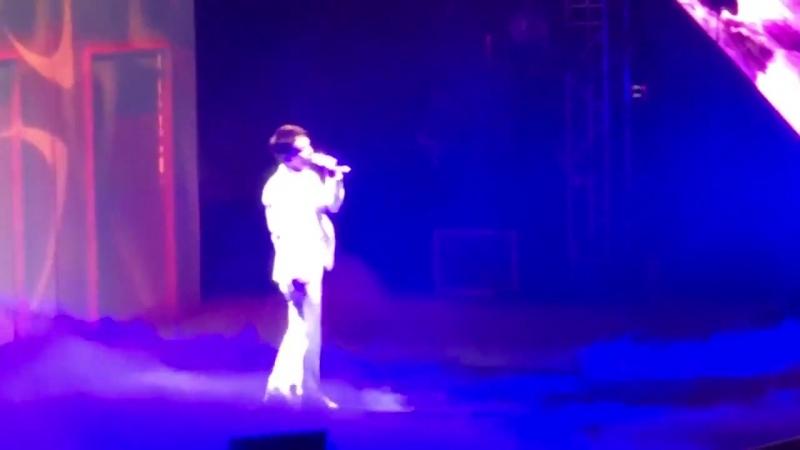 180428 The ElyXiOn in Manila @ EXOs Chen — Heaven