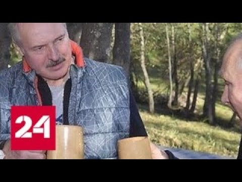 Лукашенко прокатил Путина на раритетном внедорожнике и накормил драниками - Россия 24