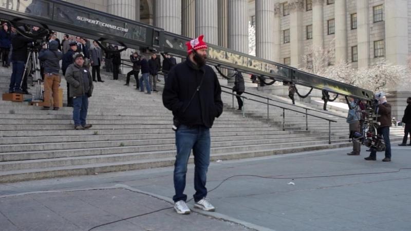Съёмки сериала на ступеньках Верховного суда в Нью Йорке.