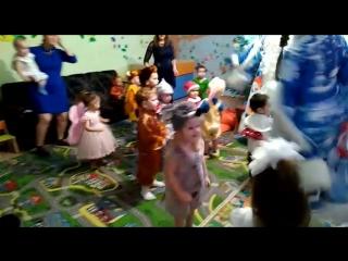 Танцуем с Дедушкой Морозом и Снегурочкой! » Freewka.com - Смотреть онлайн в хорощем качестве