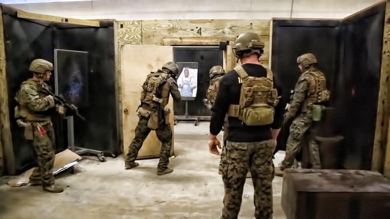 Recon Marines Close Quarters Tactics Drills • Room Clearing