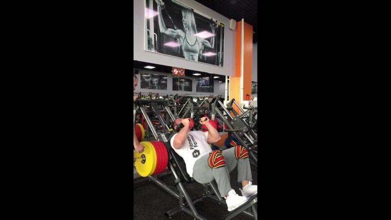 Тренировка ног от Михаила Сазонова