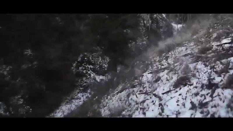 Экстремальный даунхилл по снегу