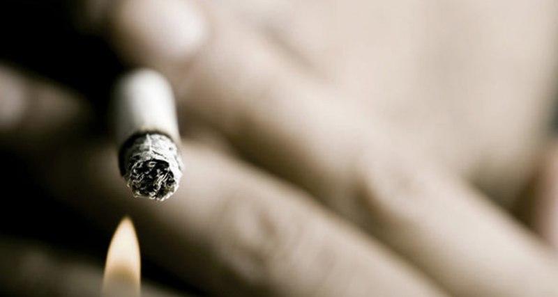 Ученые назвали деньги эффективным способом борьбы с курением