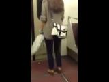 Колбасит девочку в метро!Бутират