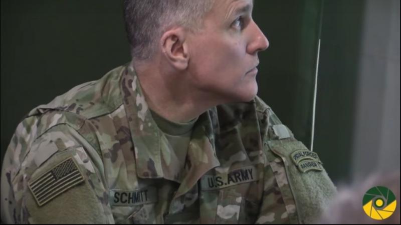 Курт Волкер з війсковими США в районі проведння Операції Об'єднаних сил на Донбасі