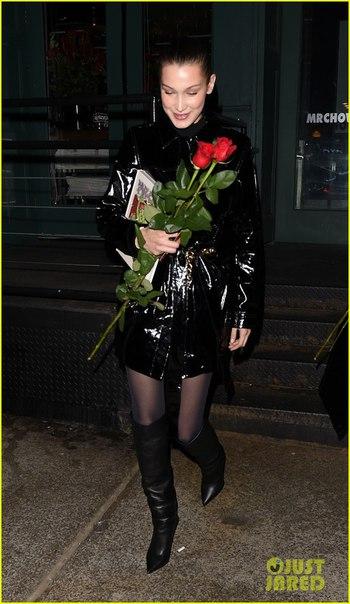 Белла Хадид подарила розы папарацци на День святого Валентина