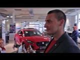 Дмитрий Борисов (Дима Боец) обслуживает свой Range Rover в РОЛЬФ Премиум