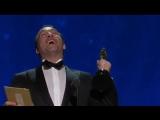 Жан Дюжарден получает «Оскар» за лучшую мужскую роль