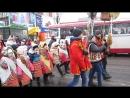 Хода центральною вулицею міста на святі вуличних вертепів Нова радість стала 2018 MVI 2203