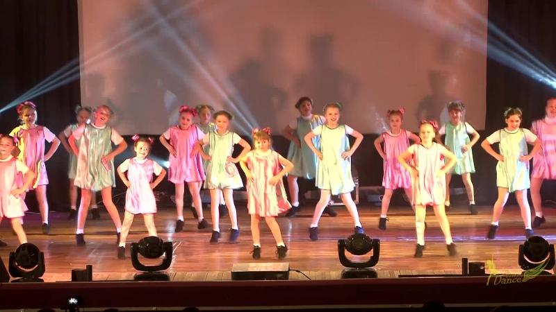 Подружки с нашего двора 5 отчетный концерт Любовь танцы и 90 24 12 2017г ДМ Юность