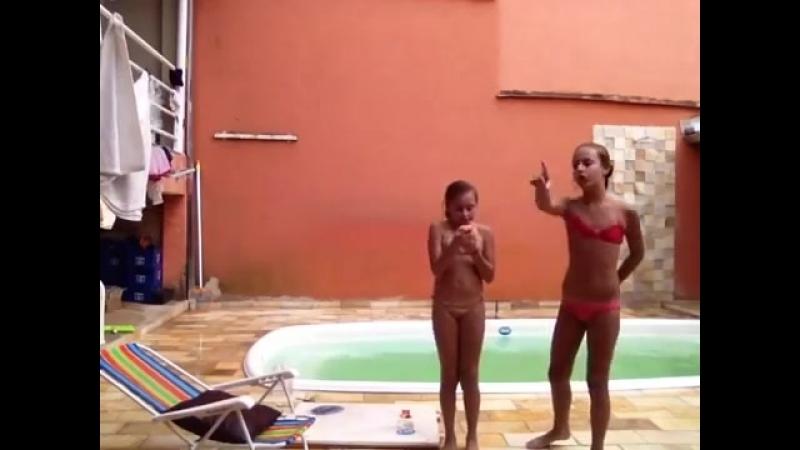 Desafio da piscina-Ft Ju YouTube (1)