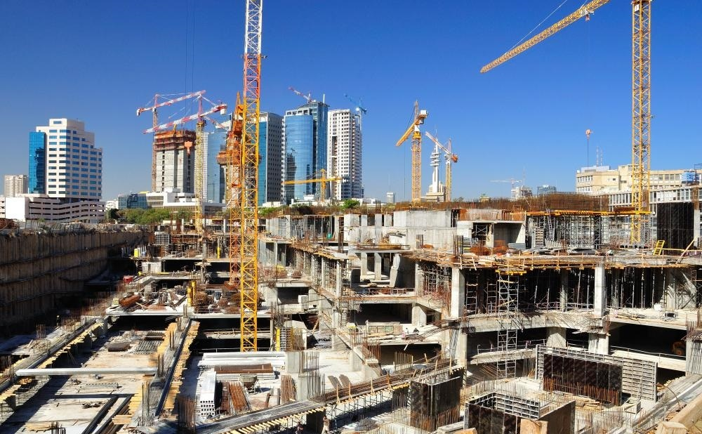 Очистка строительной площадки представляет собой идеи бизнес-строительства, когда человек создает компанию, которая делает небольшие рабочие места на месте.