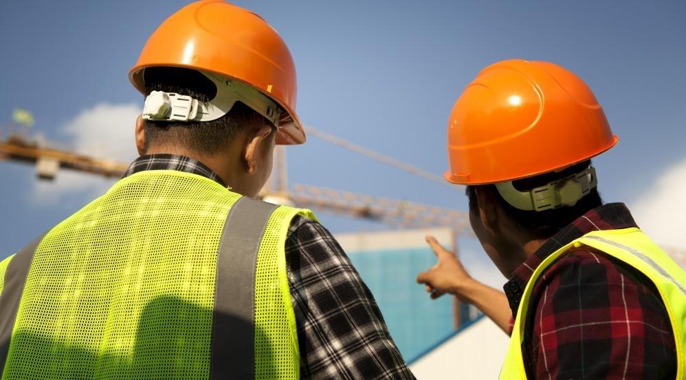 Работа с правительством, чтобы помочь в управлении инфраструктурным строительством, является одним из видов бизнес-идеи для строительства.