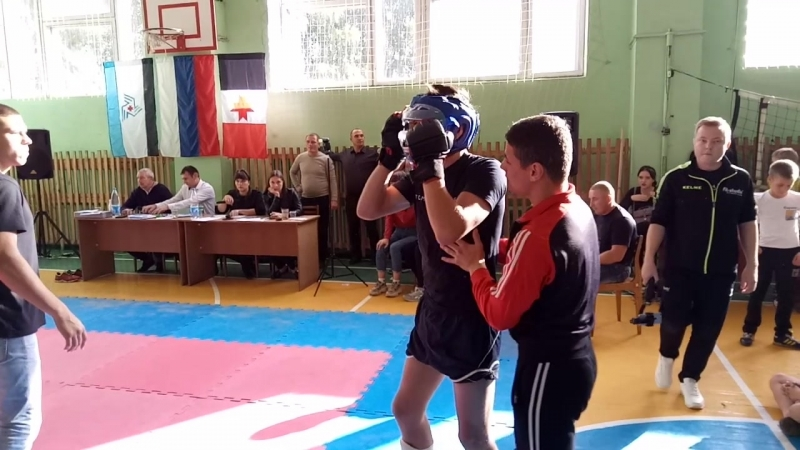 Первенство УР по ММА п.Балезино 23.09.2018 Вес 60 кг.1- бой. Золотарев Яша (Глазов) - Балезино