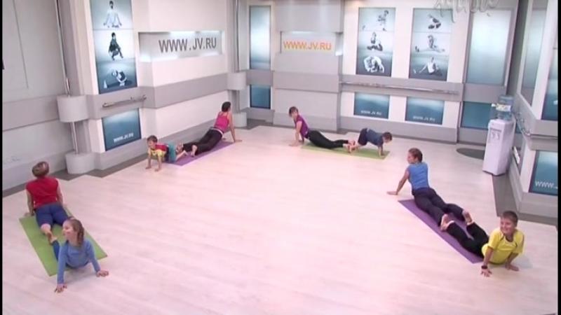 Занятие 4. Семейная йога для детей и взрослых с Юлией Шелковиной