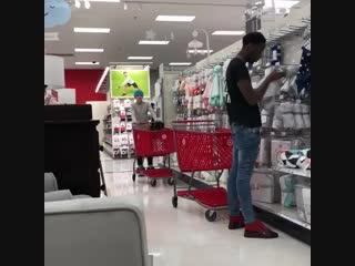 Type snowball in da store/Типичный снежок в магазине