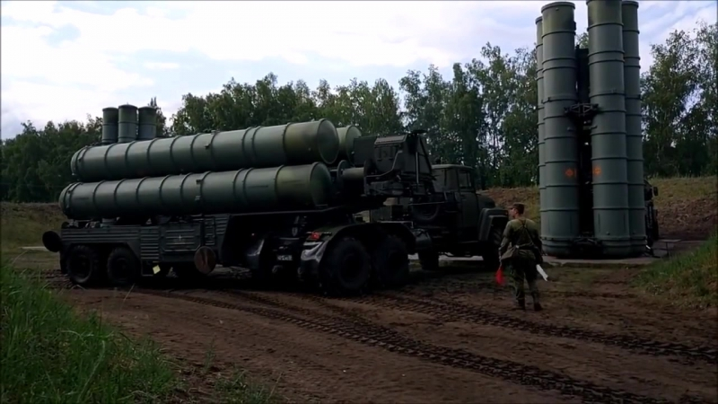 Great Russian SAM S-300/S-400 vs. F-22/F-35. Any Air Force stands no chance against these weapons.